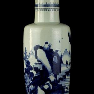 27清康熙青花山水人物纹捧捶瓶