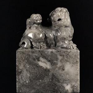 台湾回流622克,精品寿山石老矿高山金沙地坑头母子情深双工古兽大印章