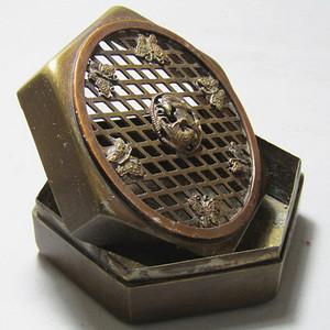 带宣德款手工打造 鸾凤铜 香薰盒 斩刻精美