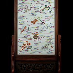 47清晚粉彩八仙法器纹瓷板