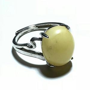 天然 丹麦鸡油黄蜜蜡 戒指 925银镶嵌 蜜蜡蜡制非常好 花纹漂亮 戒