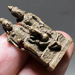 清 藏传 嘎乌盒 里 铜质 象鼻财神 度母佛 手工錾刻 工艺精湛 百年