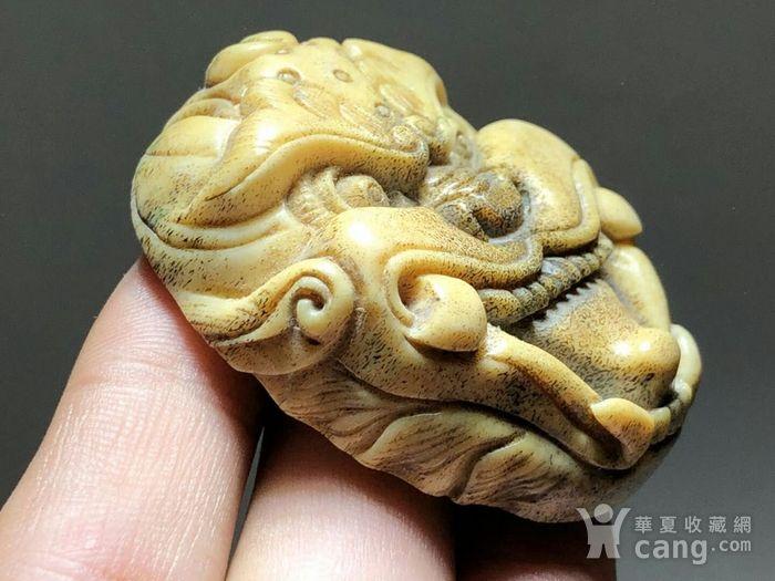 日本回流 晚清 珍贵 骨质 兽面 挂件 工艺精湛 大师级工艺 蝌蚪纹清图2