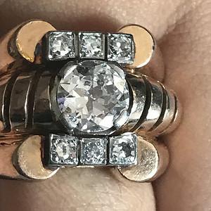2克拉玫瑰金钻石戒指