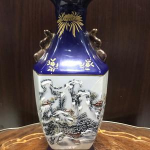 100108 建国后雪景方瓶