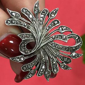 8092欧洲工艺银嵌铁矿石胸针