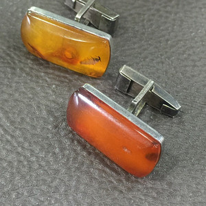 8099俄罗斯银工原矿蜜蜡袖扣