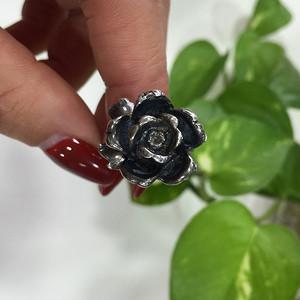 8111花朵造型银戒指