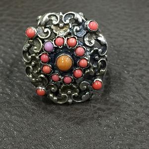 8127欧洲工艺老银嵌宝石戒指
