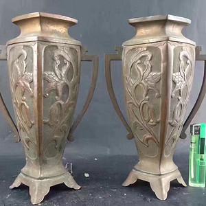 民国手工刻浮雕铜瓶一对