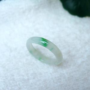 冰种带绿精美戒指