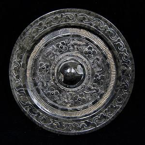 日本回流的高古水银沁青铜镜