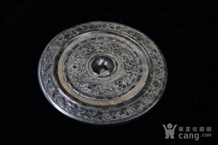 日本回流的高古水银沁青铜镜图2