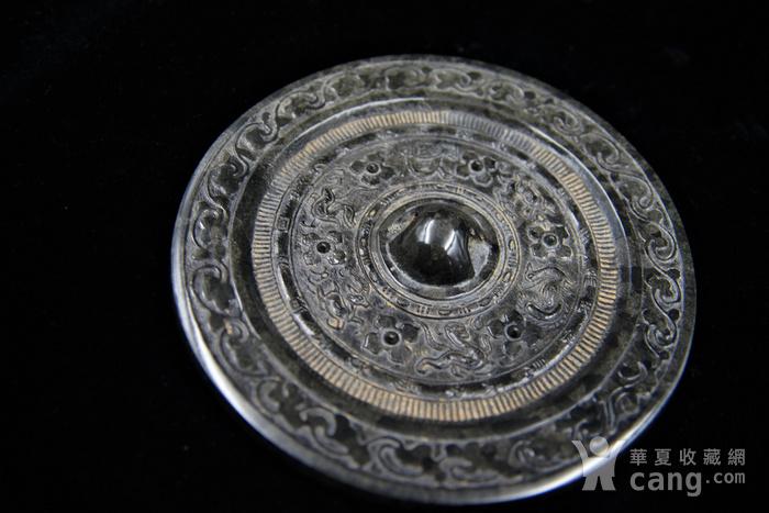 日本回流的高古水银沁青铜镜图3