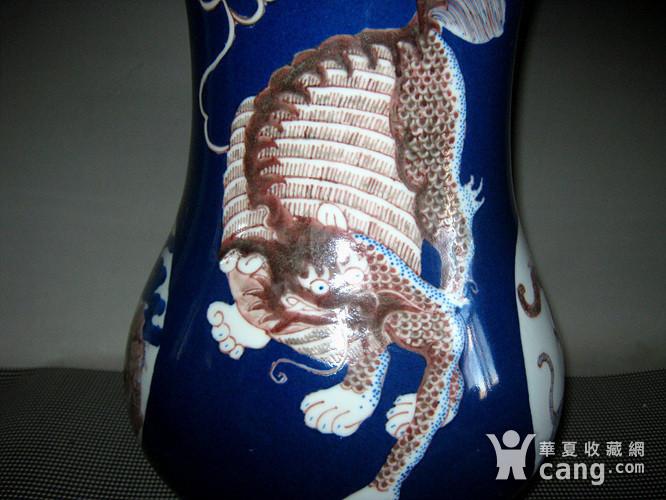 欧洲回流祭蓝开光釉里红尊瓶图8
