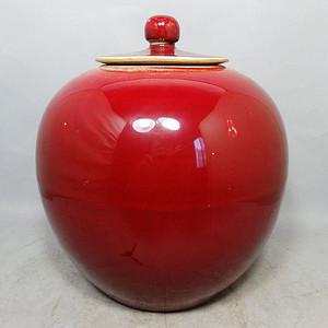 清代红釉盖罐