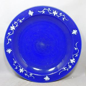 清代大号霁蓝堆白四季花卉折腰盘