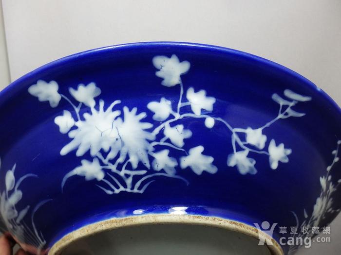 清代大号霁蓝堆白四季花卉折腰盘图3