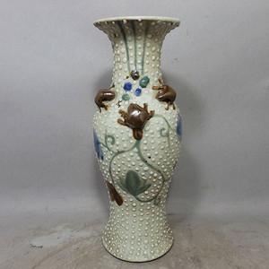 清代珍珠釉堆塑观音瓶