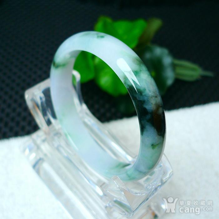 冰润带绿宽边手镯图1