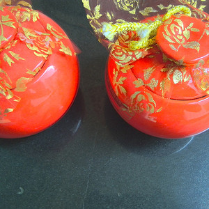 漂亮红釉罐2件
