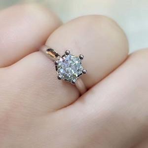 镶嵌莫桑钻石戒指18克金