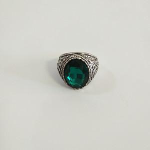 老银绿宝石戒指