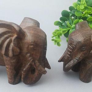 越南红土沉香木大象手把件一对