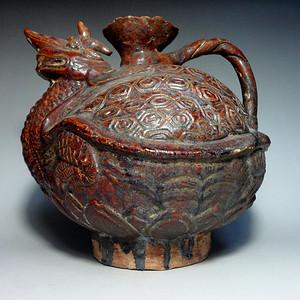 老酱釉龟形壶!