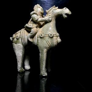 精品 宋 青瓷人物骑马俑