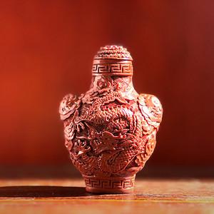 收藏级珍品重器 清代剔红雕龙纹鼻烟壶