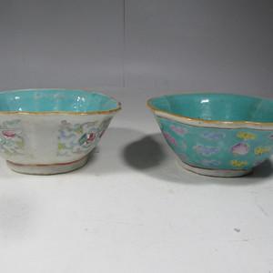 民国粉彩花卉纹碗两只