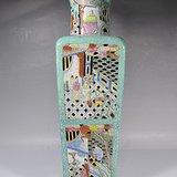 晚清粉彩堆塑纹天圆地方瓶