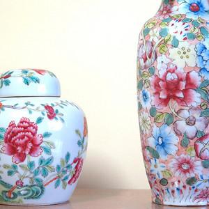 清代花开富贵粉彩盖罐