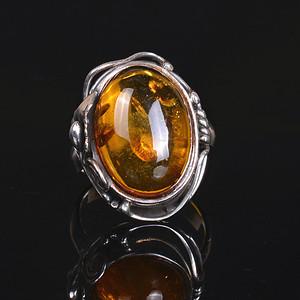 925银镶 天然琥珀戒指