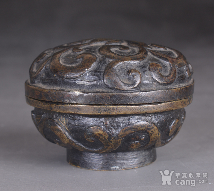 明 缠枝莲纹 铜香盒图2