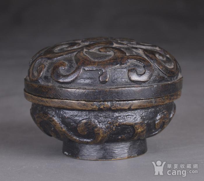 明 缠枝莲纹 铜香盒图3