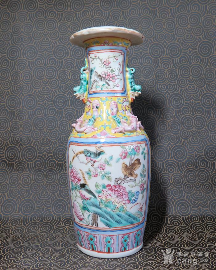 清代官高一品粉彩葵口大瓶图1
