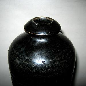 *黑釉梅瓶