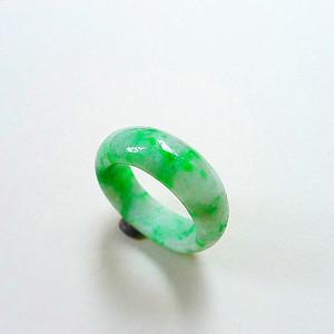 自然光实拍!天然A货好种阳绿戒指