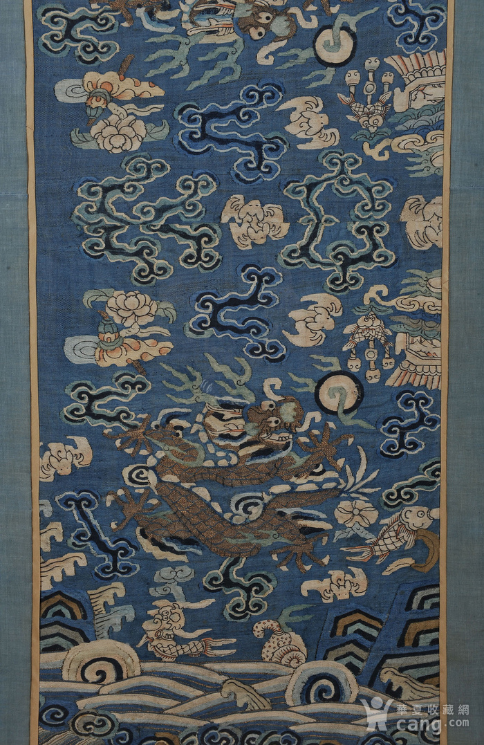 欧美回流 清 缂丝云龙海水纹条幅图4