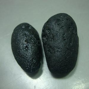 来自太空的陨石:雷公墨一对