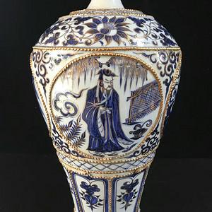 元 代青花鎏金开光人物故事纹梅瓶