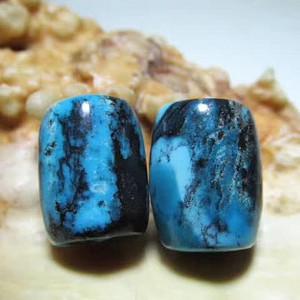 上等 有些年头 原矿 高瓷 高兰 云盖寺 松石桶珠对 肉质细腻