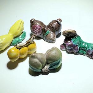 回流 民国 仿生 水果瓷质毛笔架 手工制作 添彩 十分生动 韵味十足