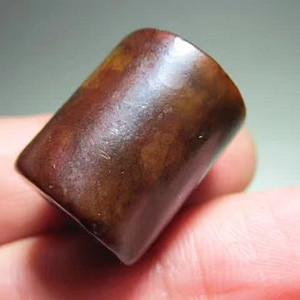 战汉时期 满 红沁 和田玉 桶珠 玉质细腻 皮壳熟润 开门到代