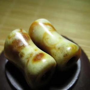 开门到代 遼金时期 和田玉 黄沁籽料 束腰珠 一对 玉质细腻