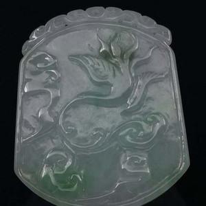 缅甸翡翠雕刻飞鹤牌子吊坠