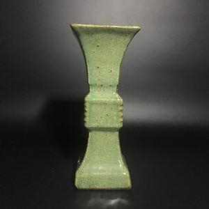 龙泉窑花鼓瓶