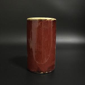 釉里红笔筒